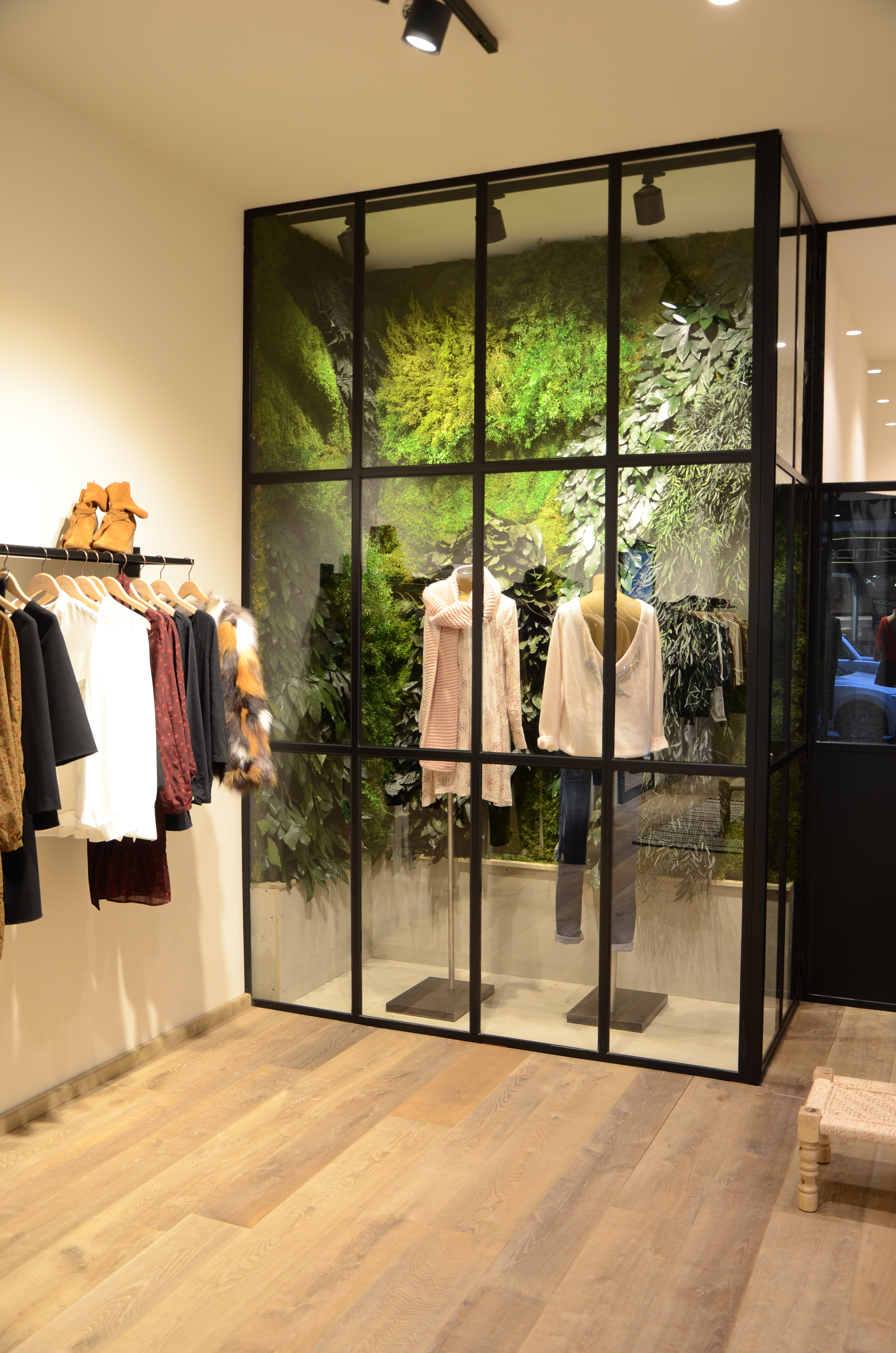 Decoración vegetal interior boutique