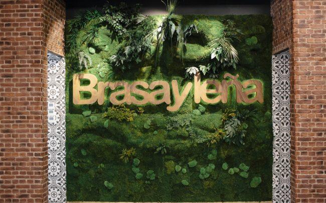 Decoración jardines verticales restyling Brasa y Leña