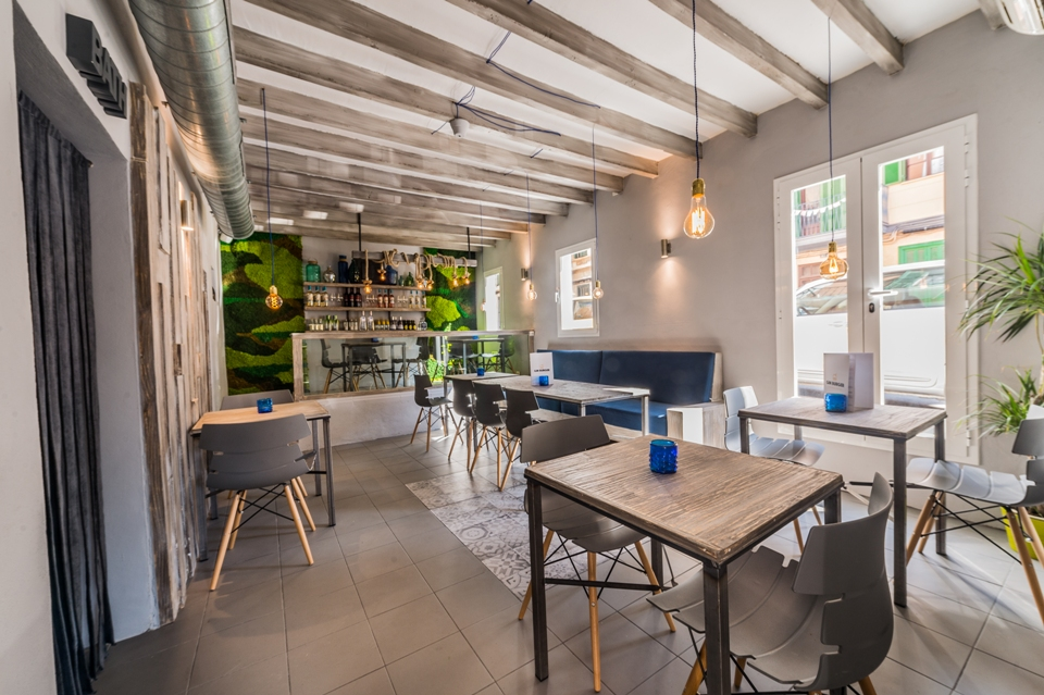 jardin vertical liquen decoración restaurante