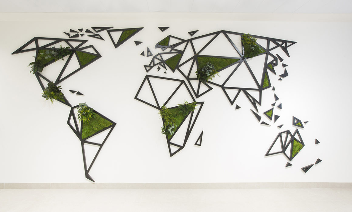 World map decor greenwall