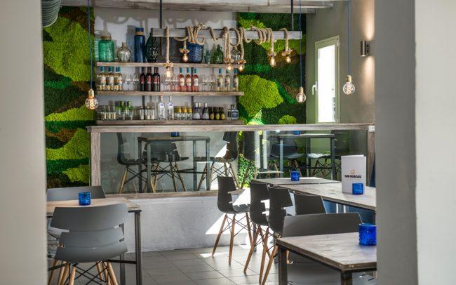 Jardín-vertical-restaurante-gin-burguer