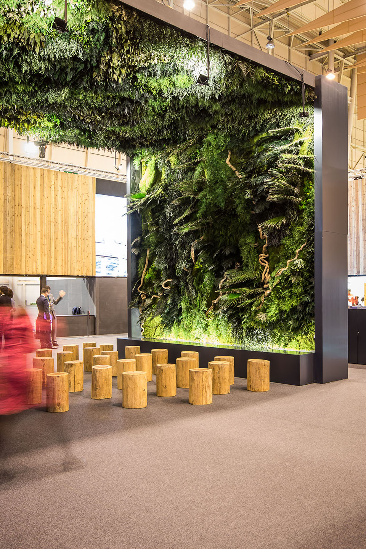 jardines-verticales-techo-vegetal-decoracion-stand-visit-azores-greenarea-biofilia
