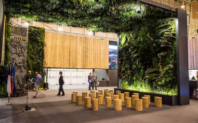 jardin-vertical-techo-vegetal-decoracion-stand-visit-azores-greenarea-biofilia