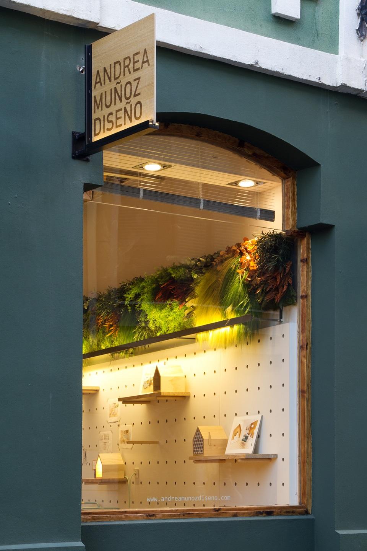 jardín-vertical-interior-diseño-escaparate