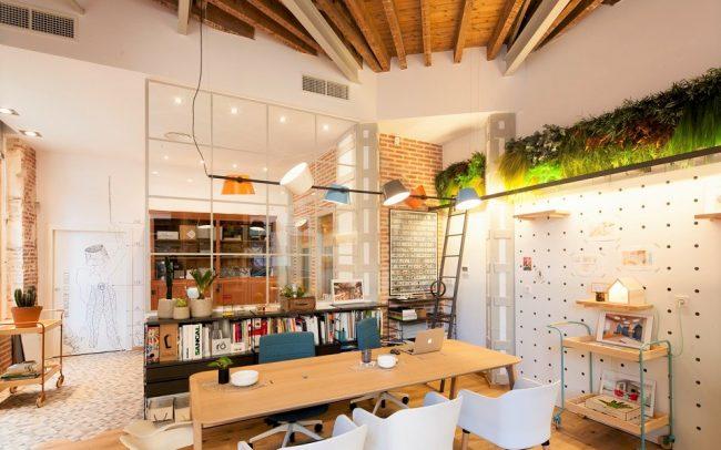 jardín-vertical-interior-para-espacio-trabajo