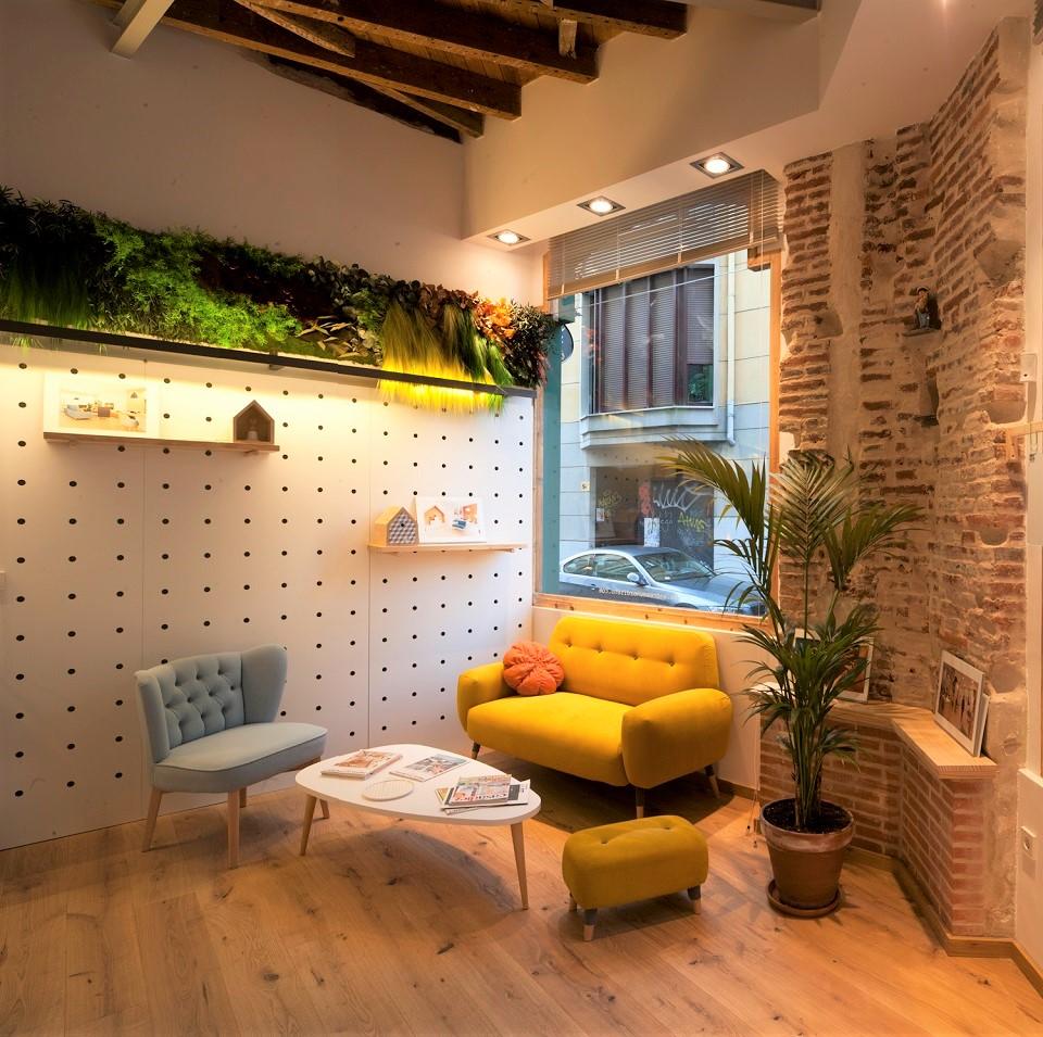 jardín-vertical-interior-sin-mantenimiento-para-oficina