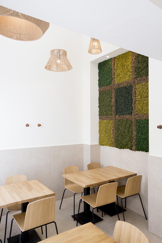 decoración-restaurante-cuadro-vegetal-ljardín-vertical-preservado-moss