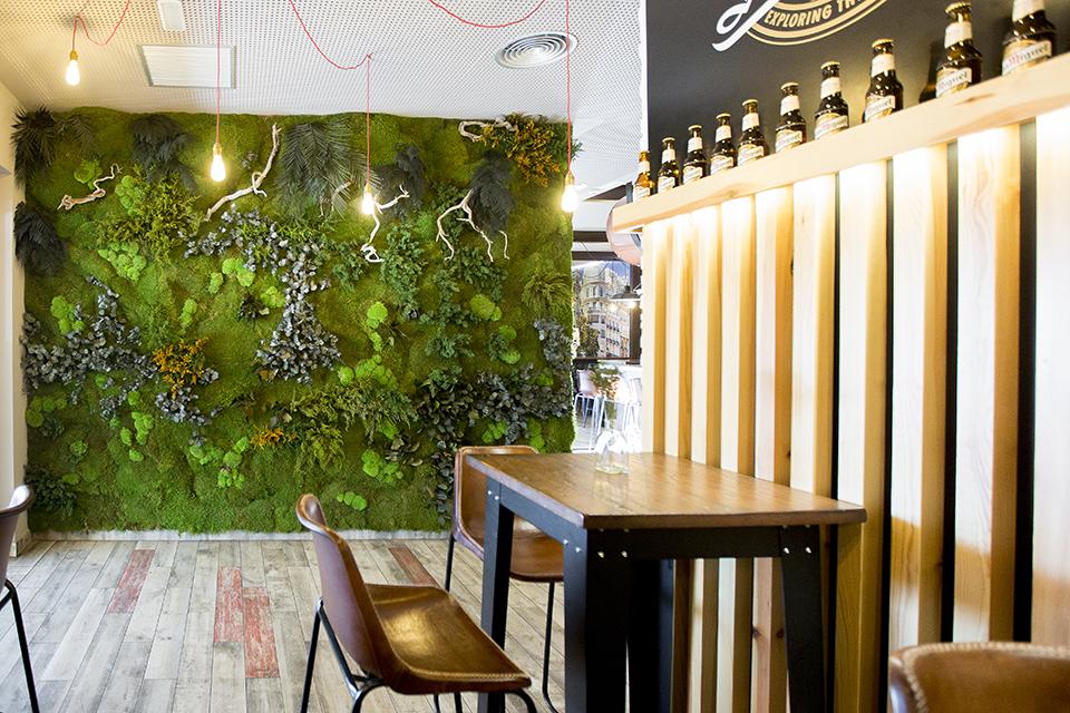 Jardín vertical preservado en restaurante