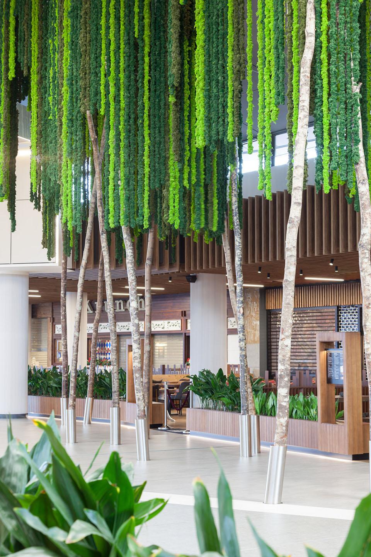 decoracion-expectacular-centro-comercial-plantas-colgantes-greenarea