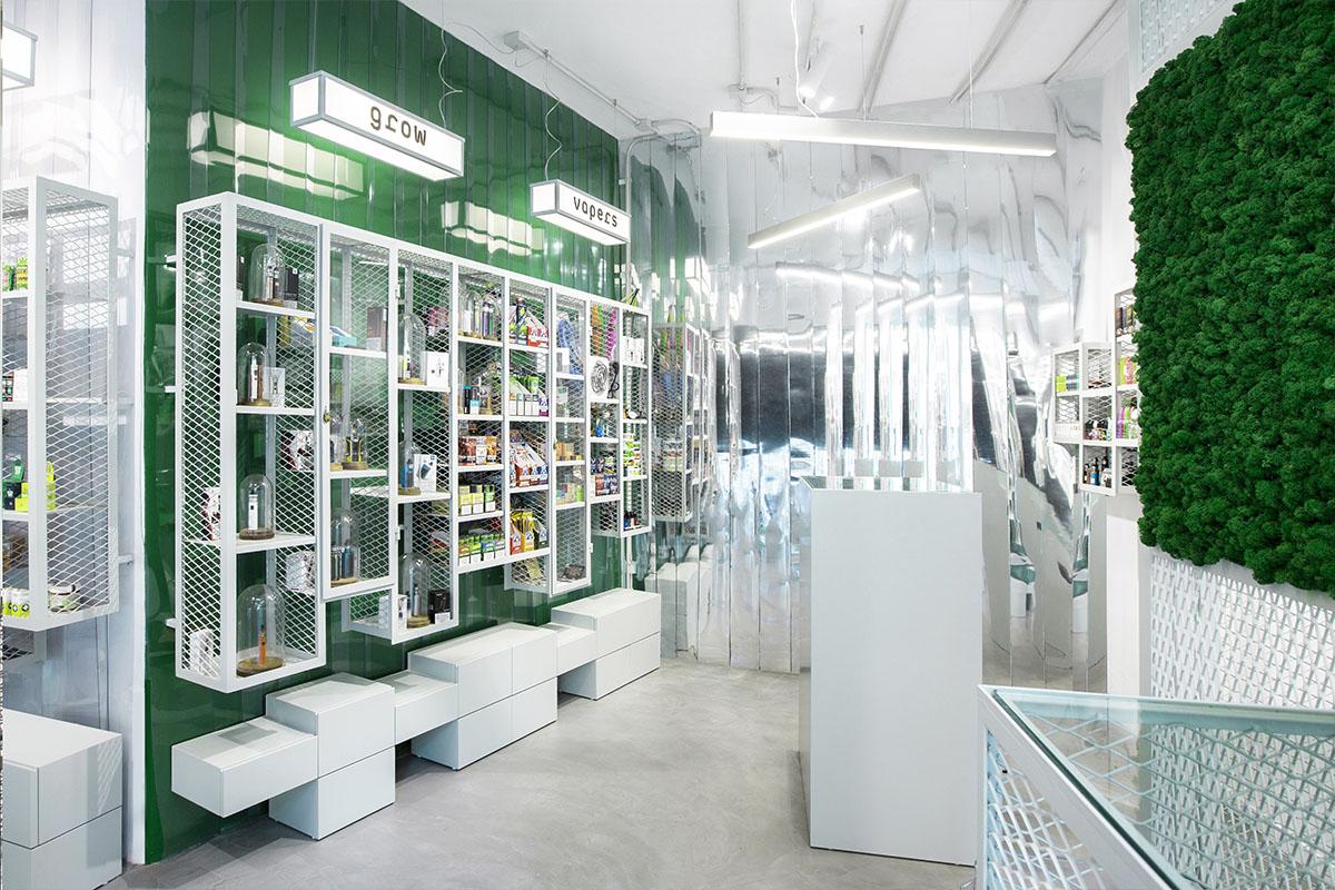 estanco con jardín vertical proyecto retail