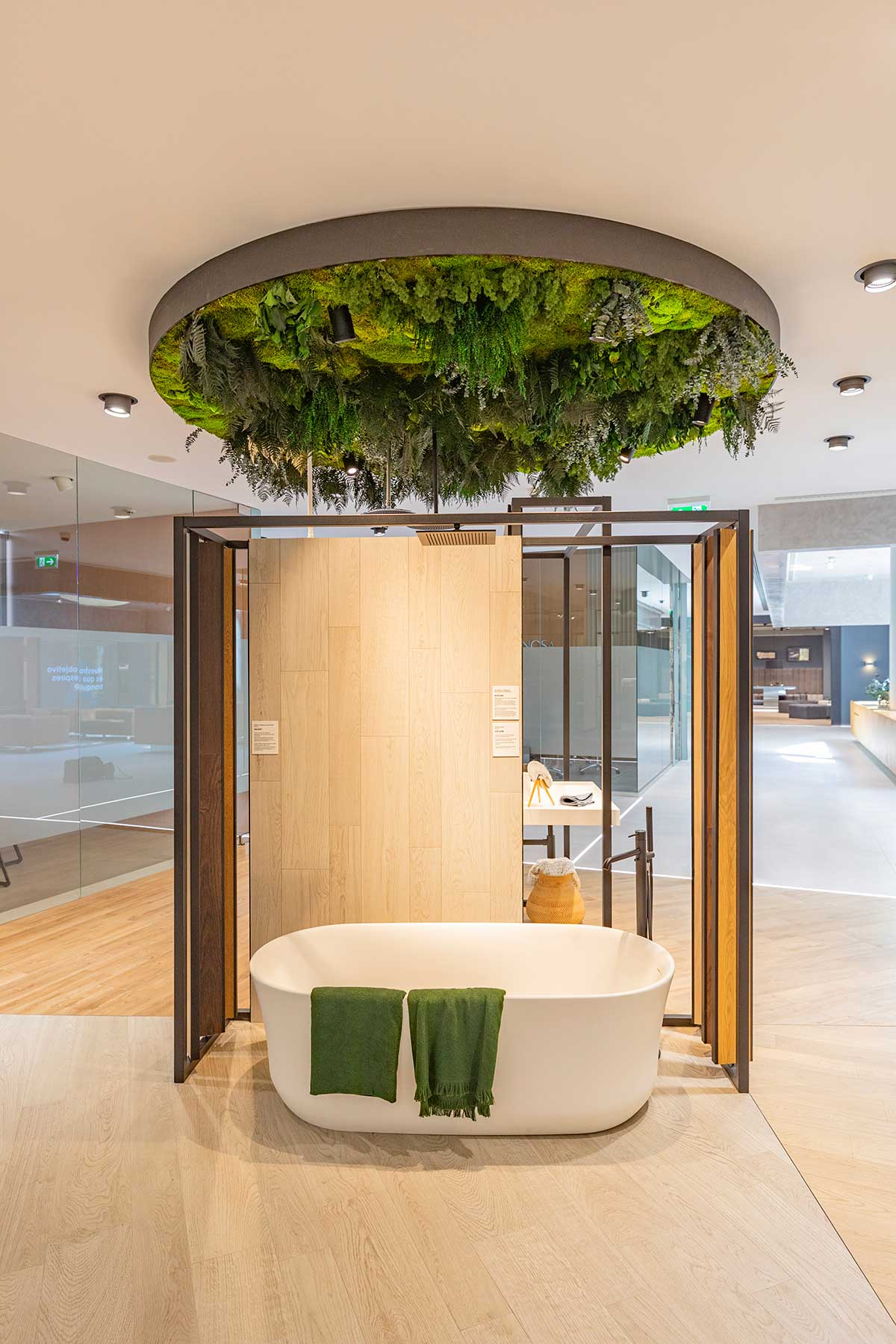 decoraciñon vegetal en el baño con plantas preservadas sin mantenimiento